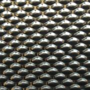 Rivestimento pavimento ascensore con acciaio inox antiscivolo.