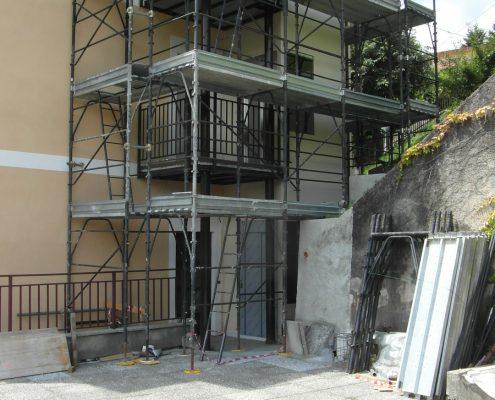 Mini ascensore. Fase di installazione quasi terminata.