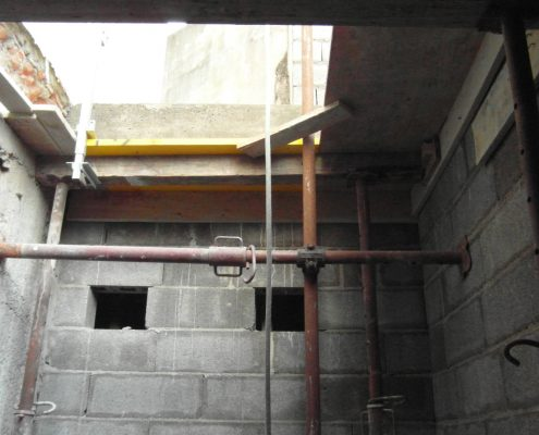 Costruzione del vano ascensore interrato.