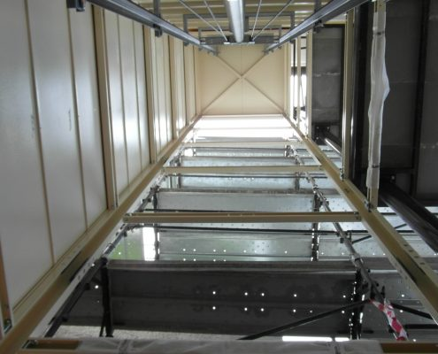 Struttura ascensore fase di installazione