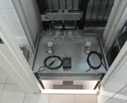 Vista interna della struttura e del tetto di cabina al piano cucina.