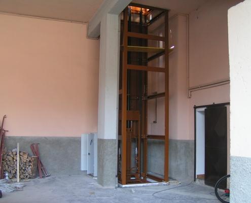 Parte di struttura dal piano terra al primo piano.