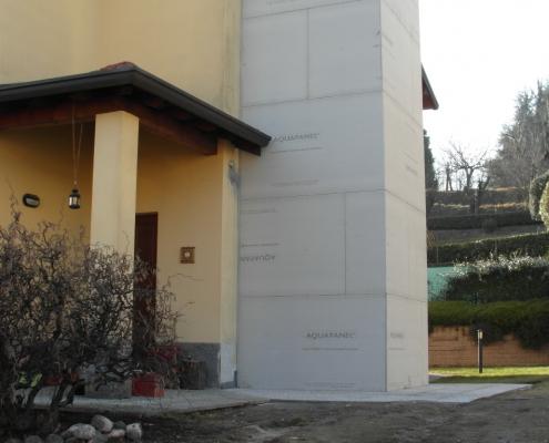 Per il rivestimento della struttura esterna dell'ascensore sono stati utilizzati i pannelli di acquapanel