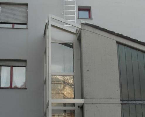 Vista della parte superiore della struttura con la stessa randa del tetto esistente.